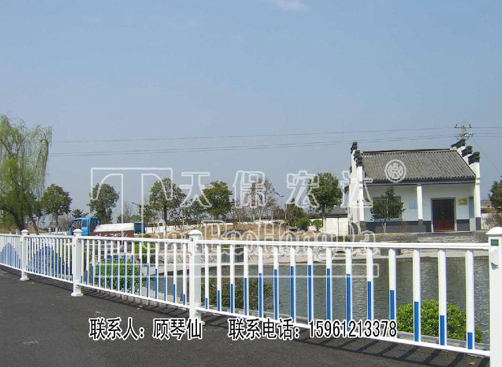 太阳能防眩光夜景护栏 2