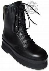 Humanitarian anti-mine boots