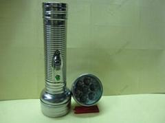 鐵質手電筒