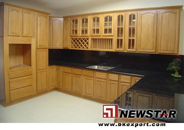 Solid Wood Kitchen Cabinet With Granite Countertop And Steel