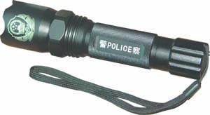 LED強光手電筒 2