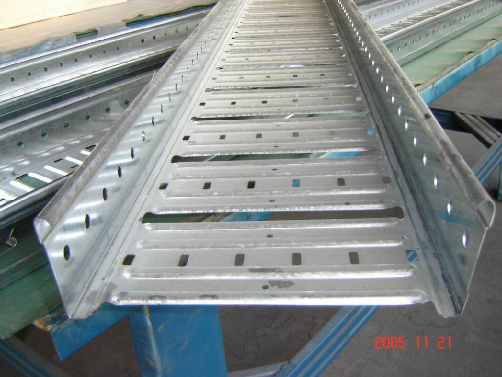 how to cut cable tray