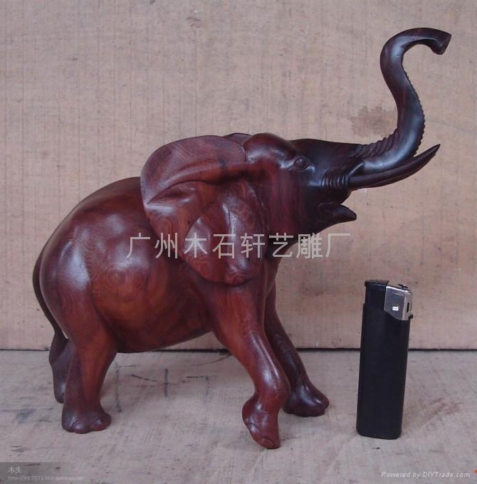 红木雕大象
