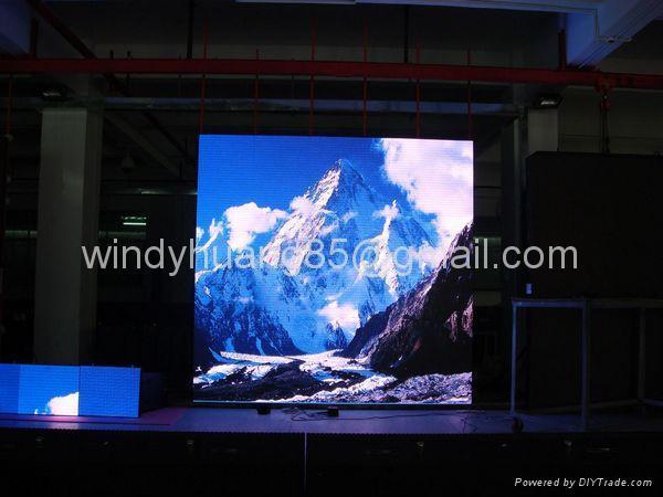 Large Led TV 4