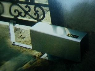 Automatic gate opener 1802 1