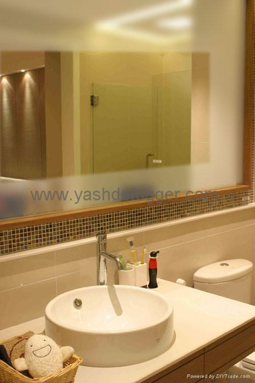 Lastest  Luxury Bathroom Mirror With LED Light Decorative LED Lighting Mirror