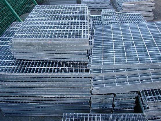 新疆钢格板 1