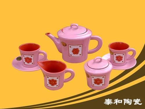 ceramic teapot 2