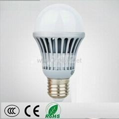 E27 3 w  LED灯泡