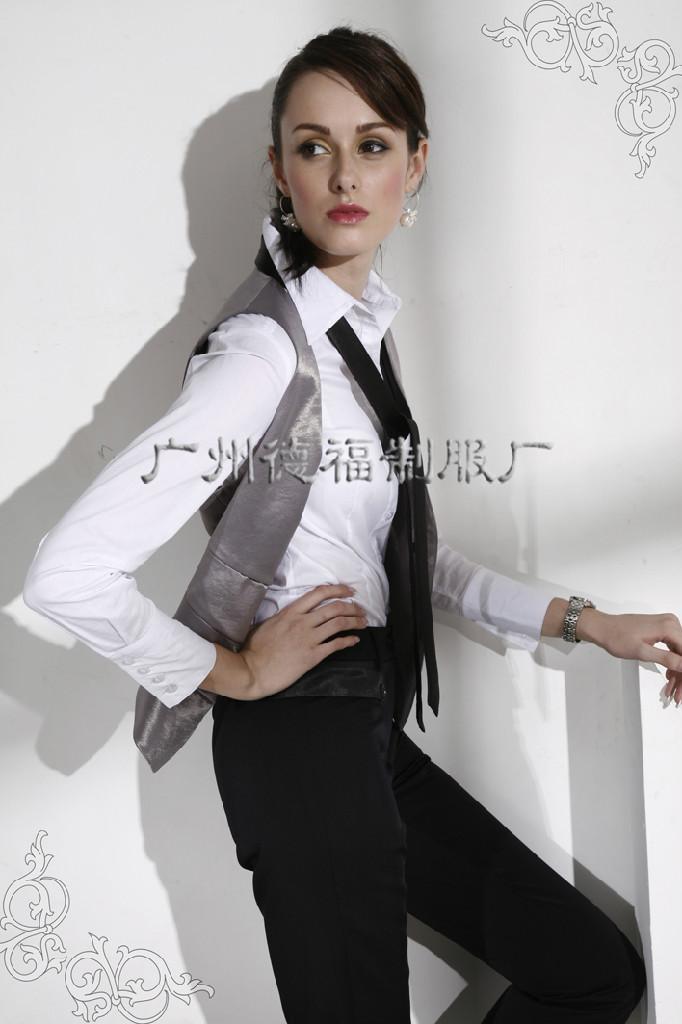 lady's uniform 3