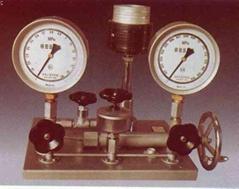 活塞式壓力計