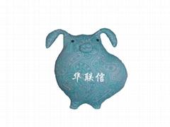 深圳毛绒玩具厂家供应卡通抱枕
