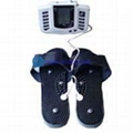 Pulse massage slipper with therapy pads