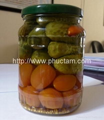 Picked cucumber/tomato/canned pineapple / dried fruits...