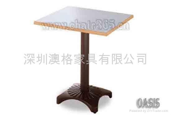 咖啡廳餐桌 2