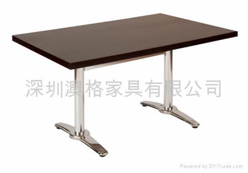 咖啡廳餐桌 4