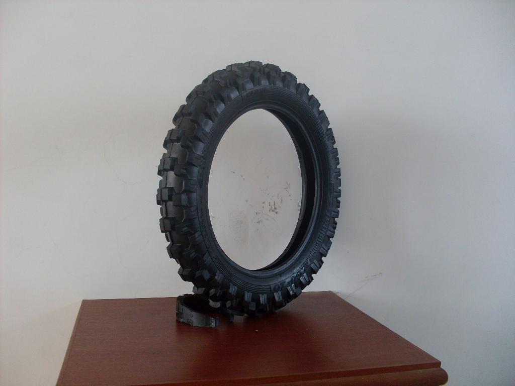 供應型號為250-10的輪胎 1
