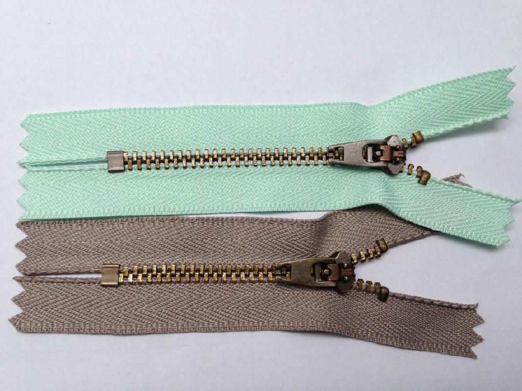 NO.3# Metal Zipper YG Slider Close End Anti Brass Color 1