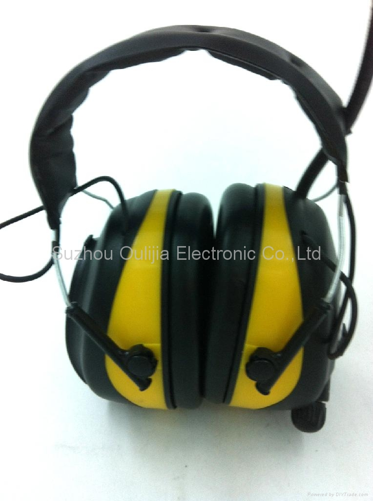 Digital Electronic Hear Protector With FM/AM Radio 2