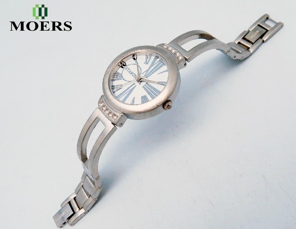 深圳手表生产厂家订制女士手链手表新款防水休闲学生手表 1