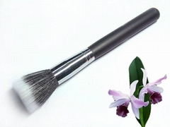 Single cosmetic brush