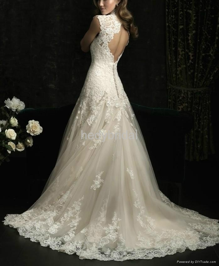France romantic lace outlined wedding dress ruffles exquisite 3