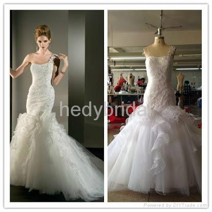 slimming fitted mermaid fit and flare applique wedding dress wedding gown 1