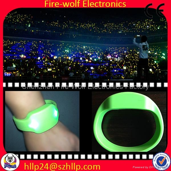 Silicon Radio controlled Led flashing glow  bracelet Manufacturer and Supplier 1