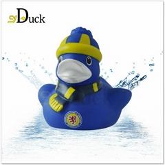 创意塑胶婴儿玩具led搪胶鸭子