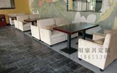 西餐厅餐桌