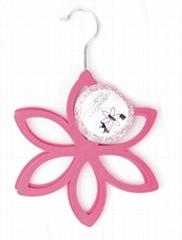 flower shape velvet scarf hangers