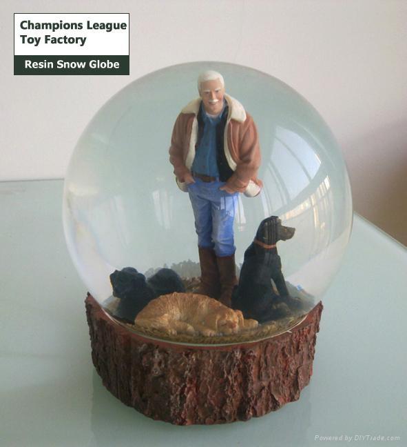 Custom snow globes 1