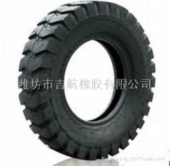 吉航橡胶E-3工程轮胎