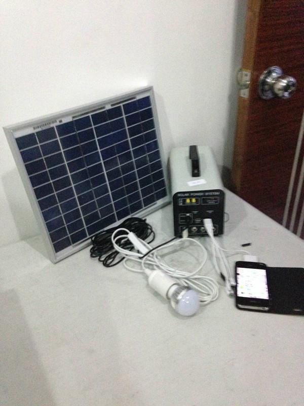 10w-7AH portable DC solar system/ 120w output 12v solar power system 1