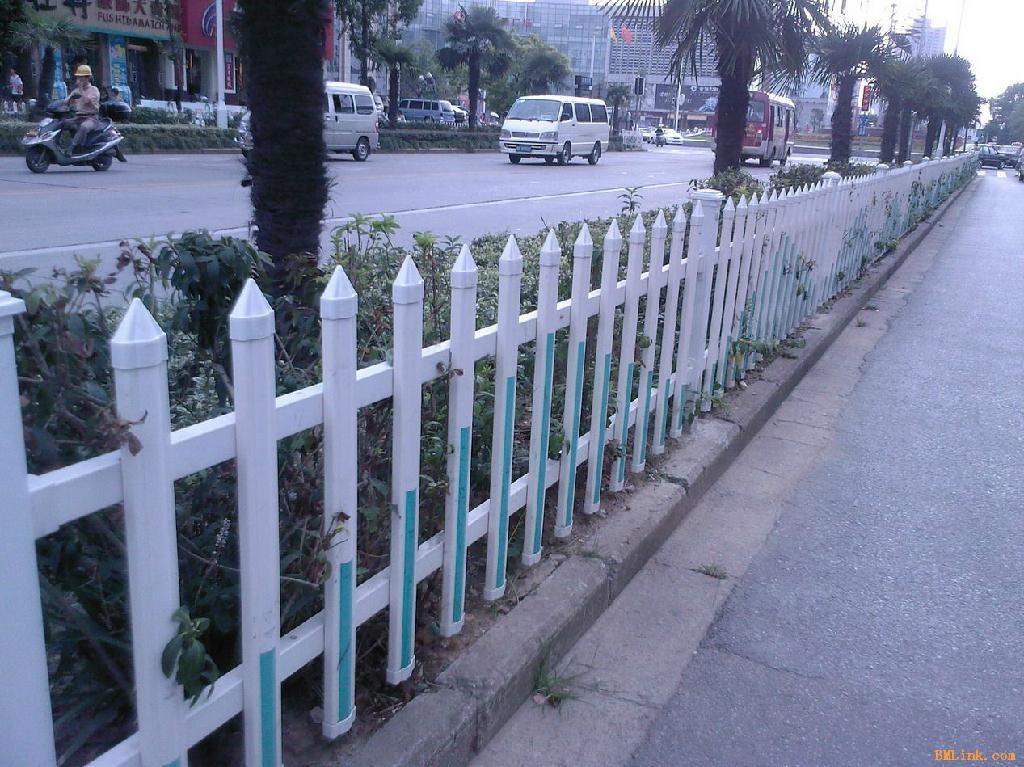 成都体育场PVC栅栏 2