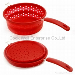 Silicone collapsible colander with stainless steel handle