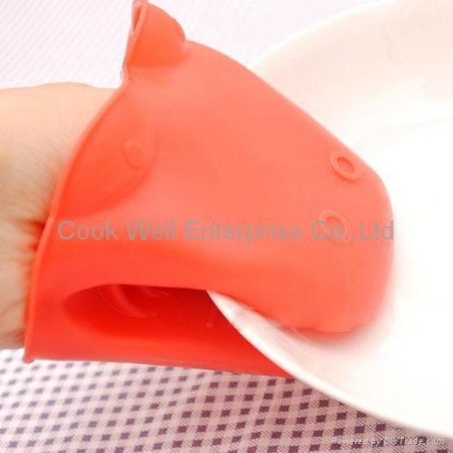 Kitchenware tools animals Silicone oven mit 2