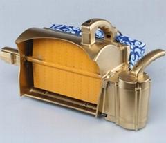 黄峰第六代  型锂电池轻型单人电动采茶机
