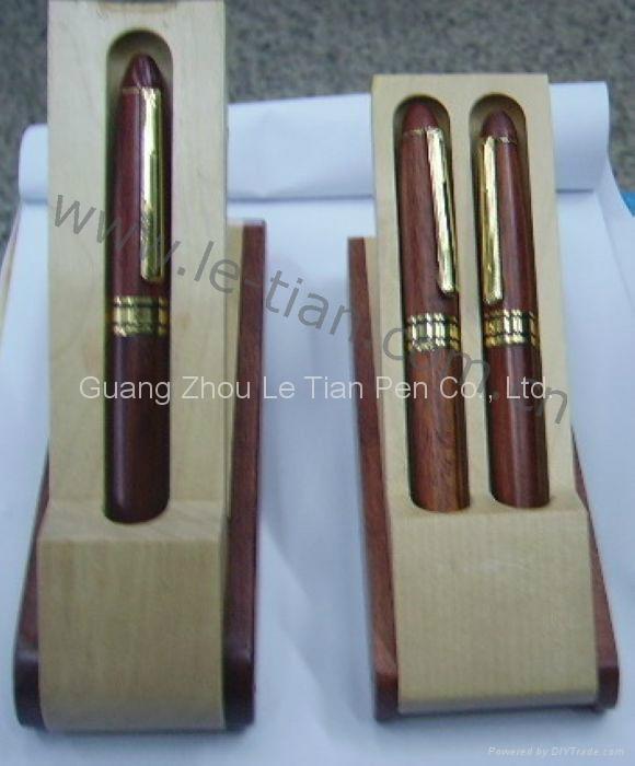 时尚木质圆珠笔 4