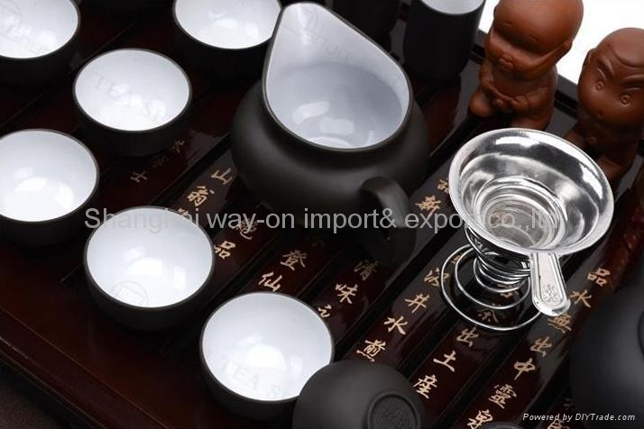 Yixing Red teapot kung fu sets with solid wood tea tray 4