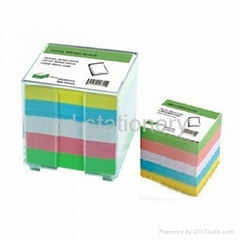 Memo pad in plastic holder