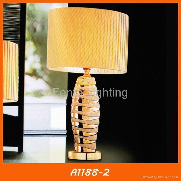 Modern gold ceramic table lamp for hotel 2