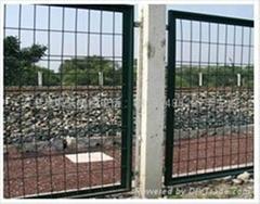 供应框架护栏网隔离栅 小区围栏 框架护栏网规格报价及厂家