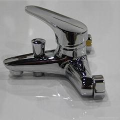賽洛三聯淋浴浴缸龍頭