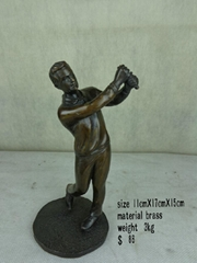 Bronze Playing Golf sculpture