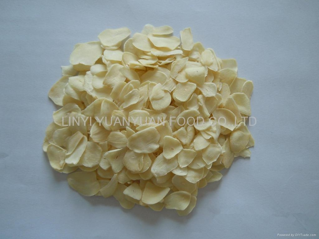 Dehydrated garlic flake 1