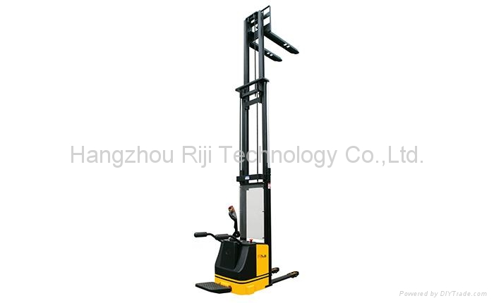 Electric Stacker 4