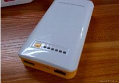 二节4400mAh 带3G wifi充电宝