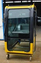 小松200-7挖掘機駕駛室