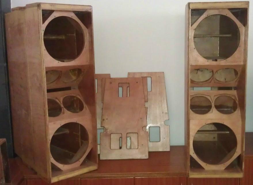 Wooden case for Speaker 1